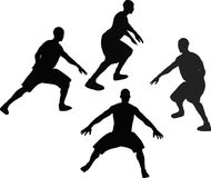 bild - konturn för basketspelaren i försvar poserar, isolerat på vit bakgrund Arkivfoto