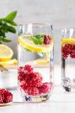 Bild med en drink royaltyfria bilder