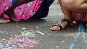 Bild på vägen med chalks lager videofilmer