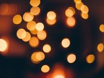 Bild unscharfen bokeh Hintergrundes mit warmen bunten Lichtern, Weinleseton stockfotografie
