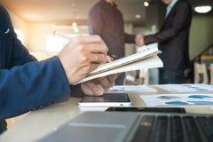 Bild von businessmans Händedruck Erfolgreiches Geschäftsmänner handshak Lizenzfreie Stockbilder