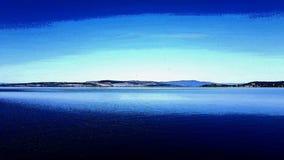 Bild von einem See mit Zeichnungseffekt