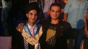 Bild von mir und von meinem Freund am Abschlussfeierfeiern Stockfotografie