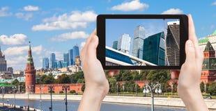 Bild von Moskau-Stadt auf Tabletten-PC Lizenzfreie Stockfotos