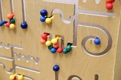 Bildande leksak för träpussel arkivfoto