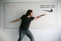 Bilden innehåller synliga märkesnamn eller logoer Fotografering för Bildbyråer