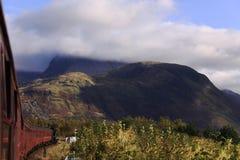 Bilden Sie das Reisen in Richtung zu Ben Nevis, Schottland aus Lizenzfreie Stockbilder
