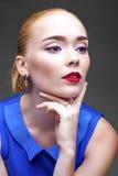 Bilden Sie Schöne blonde Frau Lizenzfreie Stockfotos