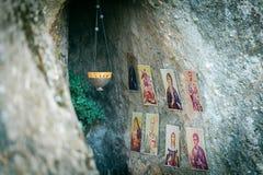 Bilder av helgon nära det av Meteora monesteries Arkivbilder
