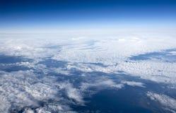 Bilder der hohen Auflösung von clounds und von blauem Himmel Stockfotos