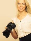 Bilder för fotografflickaskytte Royaltyfri Bild