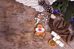 bilder för julkakafind ser mer min portfölj samma serie till Julkakor med den festliga garneringen Arkivbild