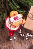 bilder för julkakafind ser mer min portfölj samma serie till Julkakor med den festliga garneringen Royaltyfri Bild