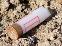 Bilder von benutzten Kugeln und von Patronen stockfotografie