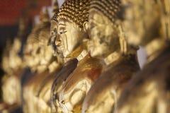 Bilder von Buddha bei Wat Pho oder bei Wat Phra Chetupon Vimolmangklarar Lizenzfreie Stockfotos
