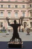 Bildhauerische Arbeiten von Vasily Klyukin im Hof des Mikhailovsky ziehen sich zurück Lizenzfreie Stockbilder