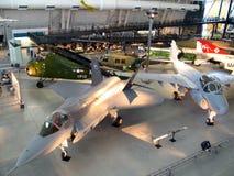 Bildschirmanzeigen im Luft-und Platz-Museum Stockfoto