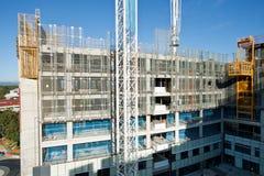 Bildschirmsystem auf dem Aufbaugebäude Stockfotografie