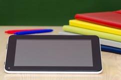 Bildung mit Tablet-Computer Lizenzfreie Stockfotos