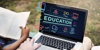 Bildungs-Studie, die Wissenschafts-Wissens-Konzept lernt Stockbilder