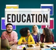 Bildungs-Wissen, das Intelligenz-Konzept lernend studiert stockfotografie