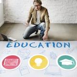 Bildungs-Wort-Glühlampen-Hut-Buch-Ikonen-Grafik-Konzept Stockfoto