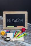Bildungshintergrund mit Sonderschuleversorgungen, Ende von holida Lizenzfreies Stockfoto