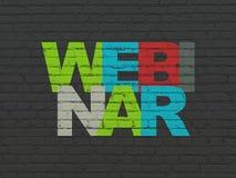 Bildungskonzept: Webinar auf Wandhintergrund Lizenzfreie Stockbilder