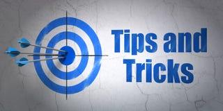 Bildungskonzept: Ziel und Tipps und Tricks auf Wandhintergrund vektor abbildung