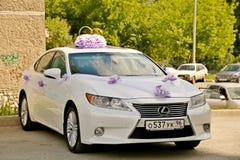 Bilen för bröllopet Royaltyfria Bilder