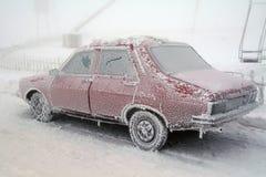 bilen glaserar djupfryst isvinter arkivbilder