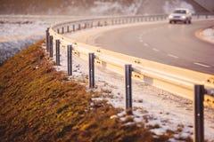 Bilen på huvudvägen Fotografering för Bildbyråer