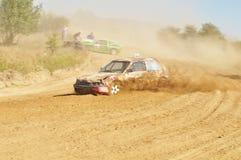 Bilen på spåret Royaltyfria Foton