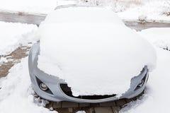 bilen snowed Arkivfoton