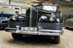 Bilen ZIS 110 B från år 1952 står Royaltyfri Fotografi