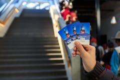 Bilet od gondoli Rotair wagon kolei linowej osiągać szczyt Mt Titlis Fotografia Royalty Free