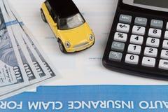 Bilförsäkringreklamationsform Royaltyfria Foton