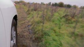 Bilflyttningar på smutsigt samlar spåret