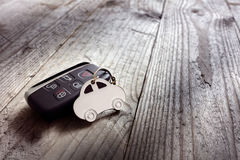 Bilformkeyring och keyless tillträdesfjärrkontroll Arkivfoto