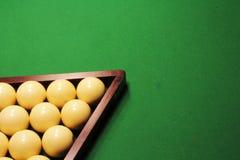 Bilhar do russo Bolas de bilhar no verde Imagens de Stock Royalty Free