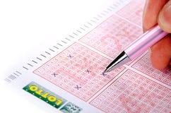 Bilhete e pena da lotaria imagens de stock