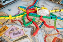 Bilhete para montar o jogo de mesa imagens de stock royalty free