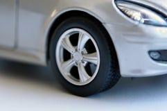 Bilhjul på en bil Royaltyfria Bilder