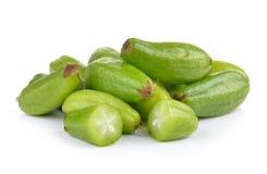 Bilimbi (bilimbi Linn di Averhoa ) o frutta del cetriolo su backg bianco Immagine Stock