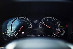 Bilinre: Panel för Digitalt instrument med komfortskärm Arkivbilder