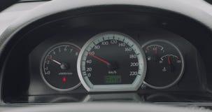 Bilinstrumentbräda, medan köra stock video