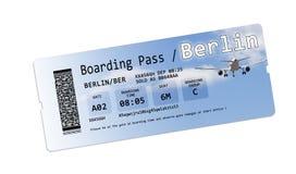 Biljetter för flygbolaglogipasserande till Berlin isolerade på vit Arkivbilder