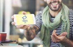 Biljetter som köper begrepp för betalninghändelseunderhållning Arkivfoton