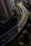 Bilkörning på högstämt Arkivfoto