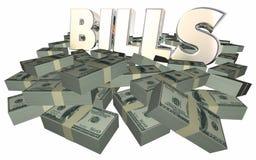 Bill που πληρώνουν οφειμένους σωρούς σωρών μετρητών πληρωμής τιμολογίων τους χρήματα Στοκ εικόνες με δικαίωμα ελεύθερης χρήσης